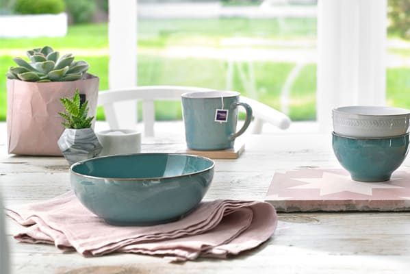 Extra 20% off near perfect price on selected tableware items