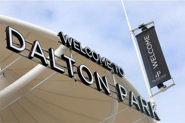 Welcome to Dalton Park sign