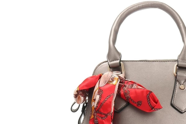 E-Newsletter Take an extra 20% off Sale Handbags