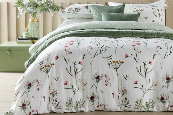 Christy Perry reversible duvet set 50% off RRP