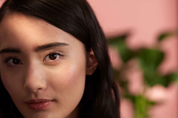 The Body Shop: How to Shape Eyebrows